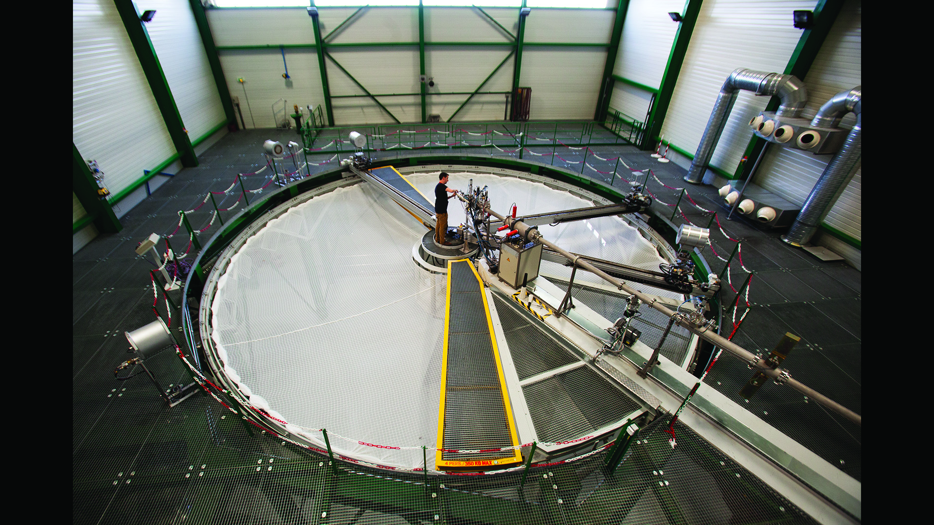 Calibration in a monoenergetic field: the AMANDE facility